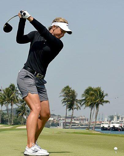 เพิ่มเกมกอล์ฟของคุณด้วย 10 เคล็ดลับจาก LPGA!